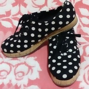 Polka Dotted Lace-Up Oxfords Size 7